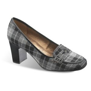 Soft Style by Hush Puppies Brynn Plaid Dress Heel